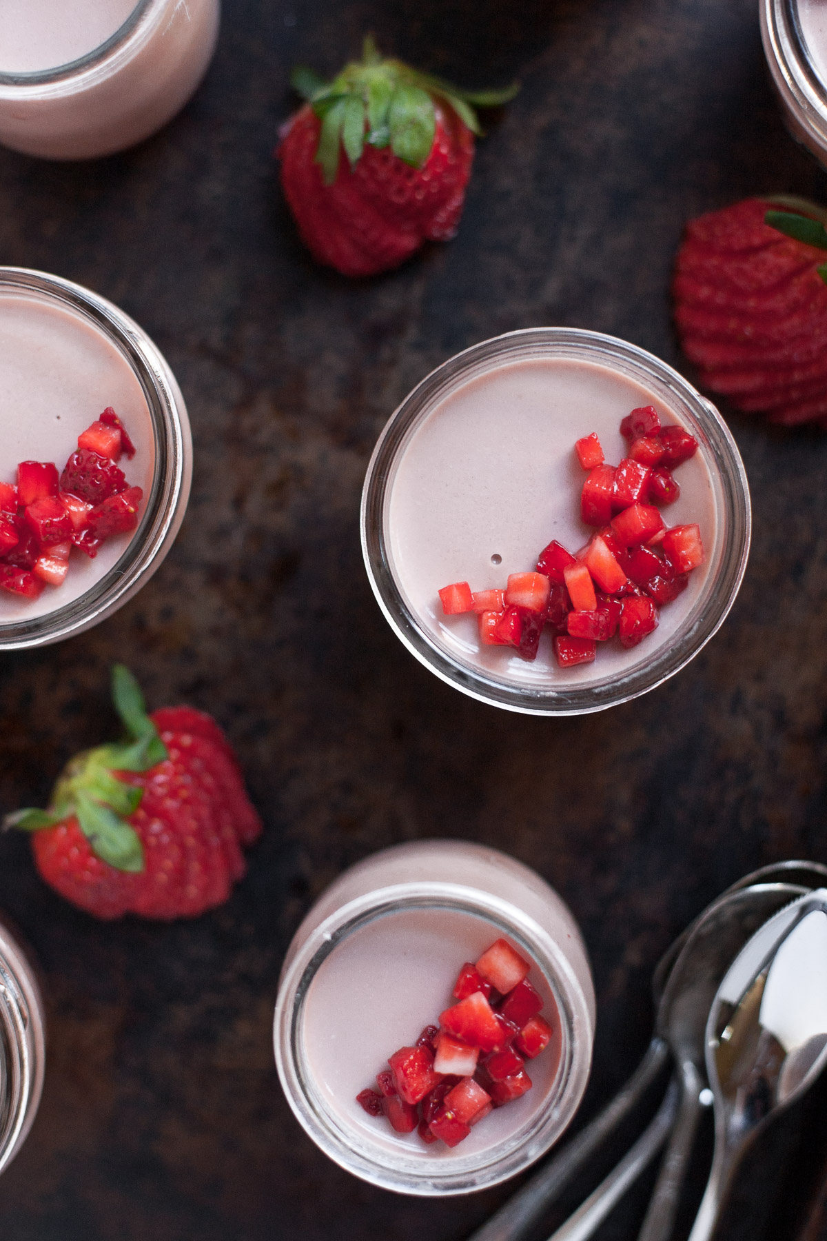 Strawberry Panna Cotta with Balsamic Vinegar (Paleo and dairy-free options)