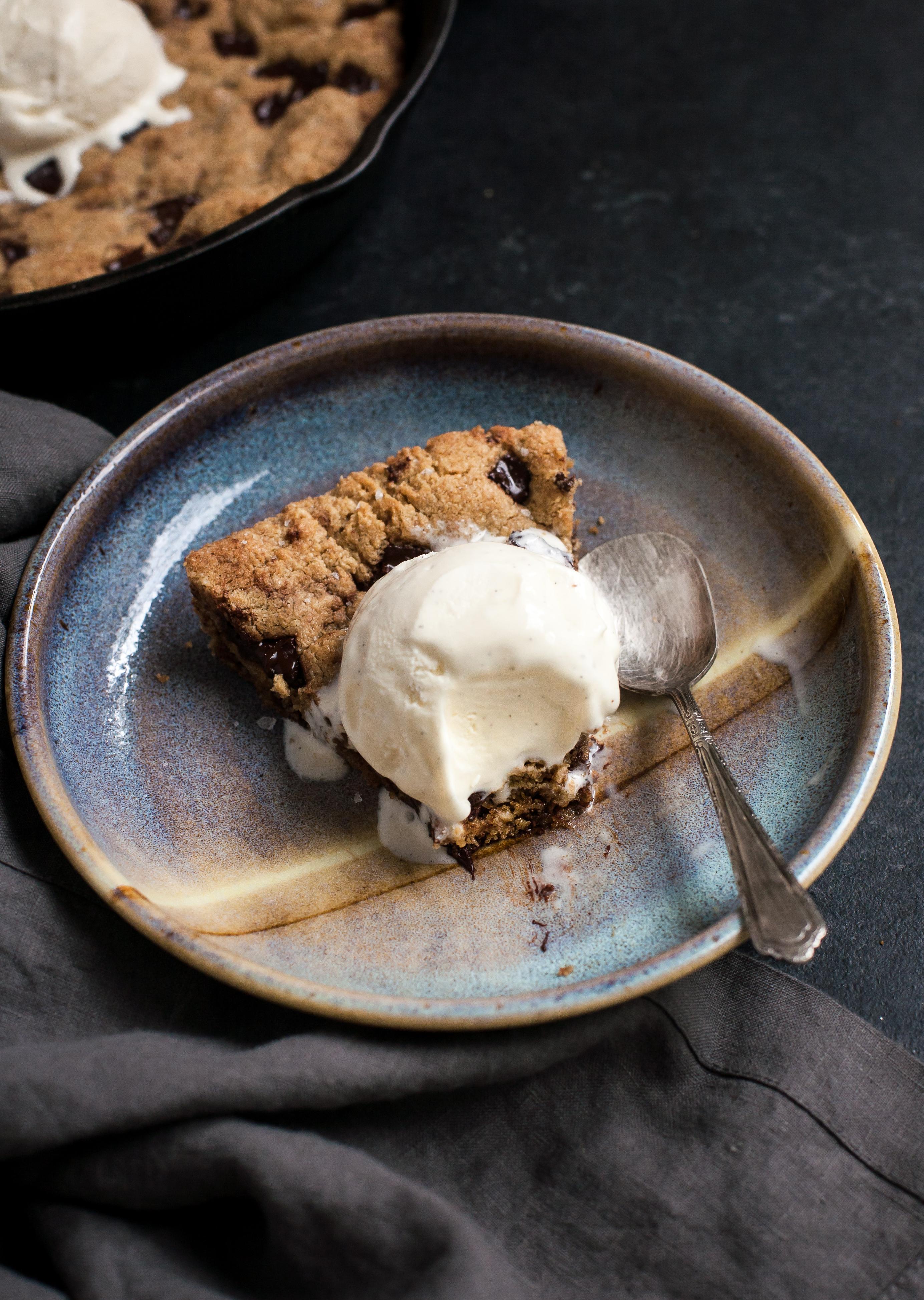Easy Grain-free Skillet Cookie